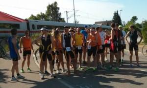 Die Teilnehmer des Duathlons kurz vor dem Start