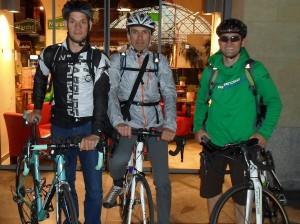 Die Moritzburg-Reisende Roland Dollinger, Raimond Eberle und Gerd Rudfloff auf ihrer Tour von Moritzburg nach Donauwörth