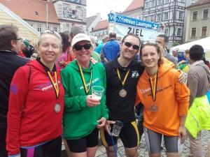Glückliche Finisher in Lauingen. Unser Bild zeigt: Daniela Hanus, Ursula Gandorfer-Schröppel, Gerd Rudloff und Julia Kahlich