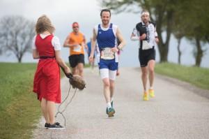 Martin Treimer (rechts) bei der Marathongrenze Bild: Norbert Wilhelmi