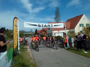 Starke Beteiligung am Start des Rennens!